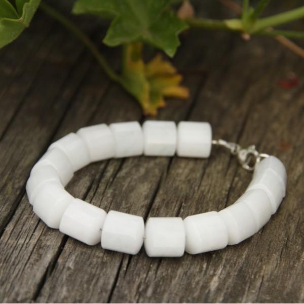 bracelet quartz blanc. Black Bedroom Furniture Sets. Home Design Ideas